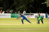 Murtagh leads Ireland to ODI victory despite a late scare